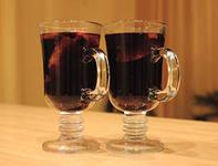 напиток Тирольский йогатте с красным вином.
