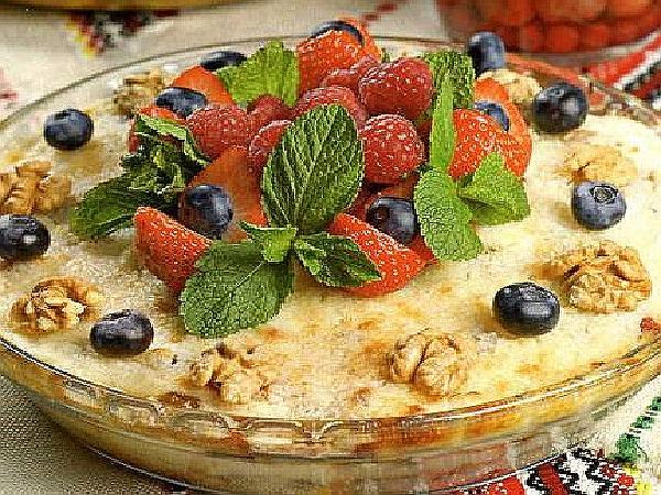 гурьевская каша с ягодами