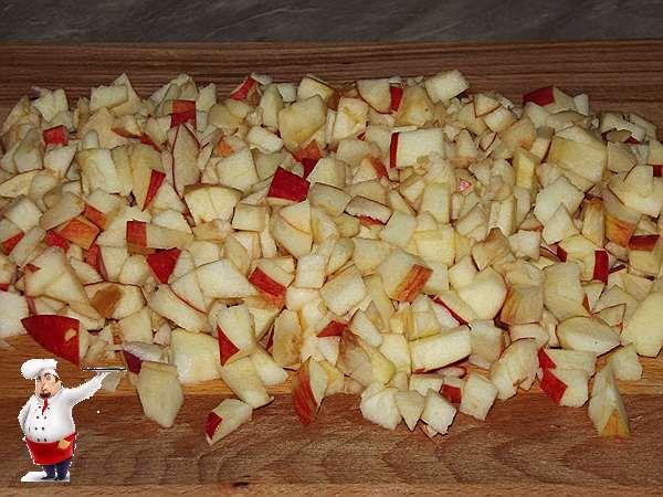 режу яблоки для соуса
