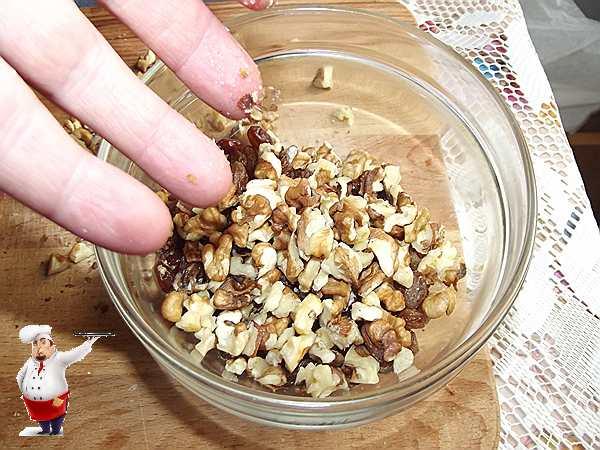 орехи с изюмом для десерта