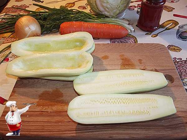 разрезаю кабачки