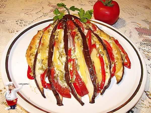баклажаны с помидорами и сыром запеченные в духовке