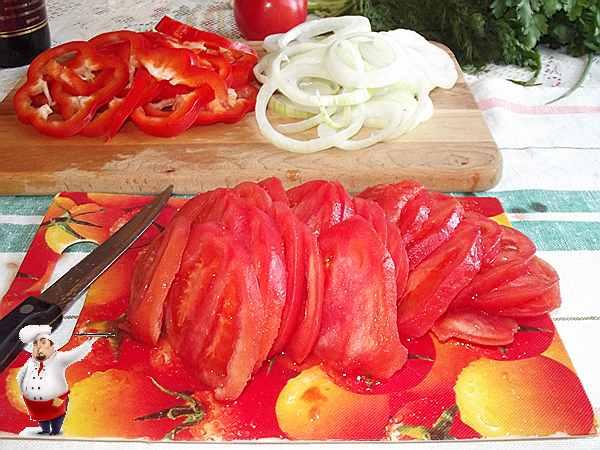 нарезанные помидоры для чахохбили