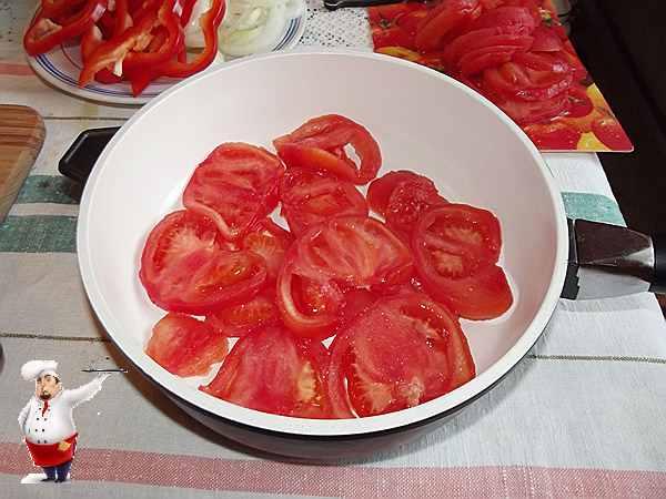 помидоры в сотейнике