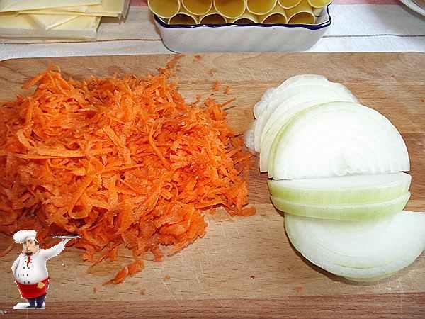 морковь и лук для каннеллони