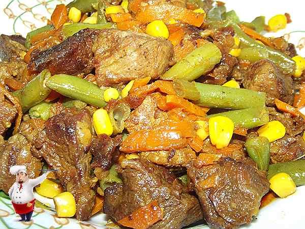 говядина тушеная в мультиварке с фасолью и кукурузой