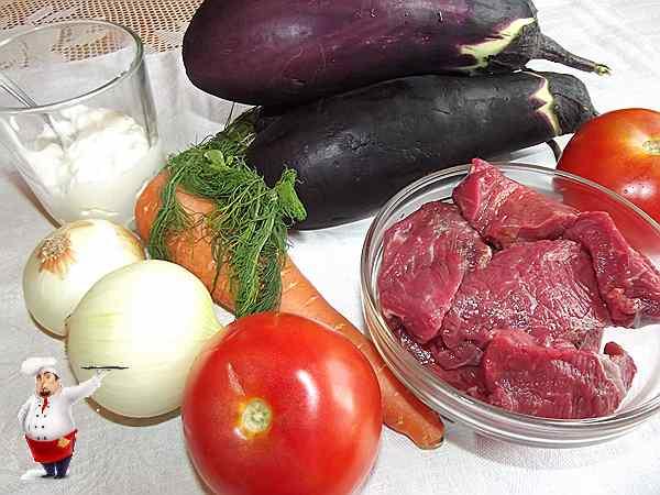 баклажаны, мясо и другие овощи для блюда в мультиварке