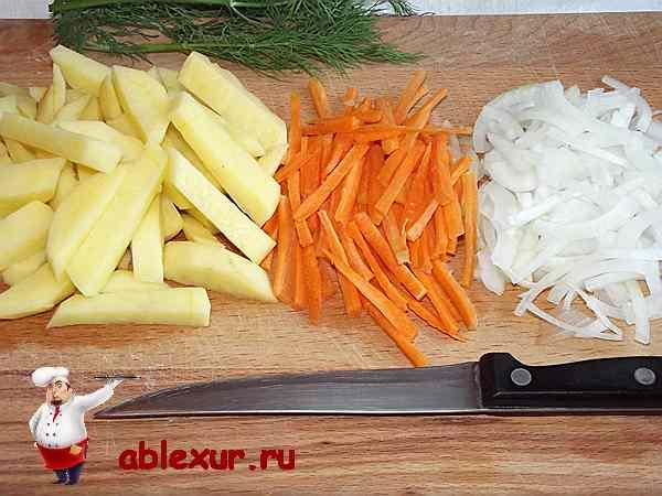 нарезанные овощи для грибного супа