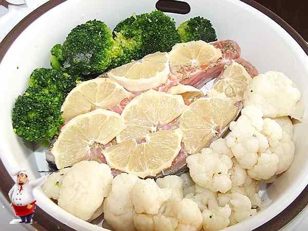 семга с гарниром из овощей