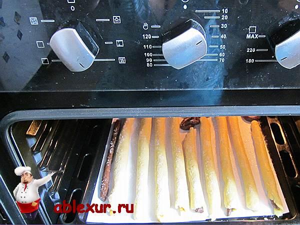 печенье запекается в духовке