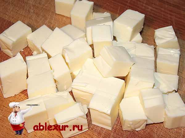нарезанные кубиками плавленные сырки