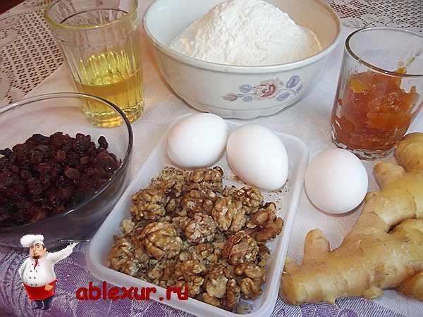 орехи, мука, изюм, яйца, джем, имбирь для рулета