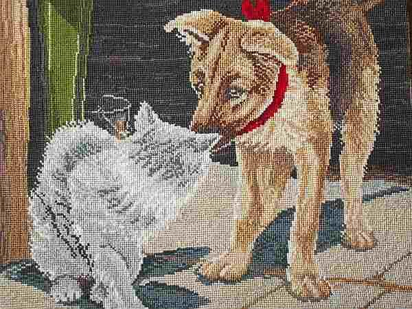 вышитые кошка с собакой