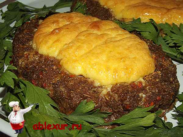 котлеты из говяжьего фарша с сырной начинкой