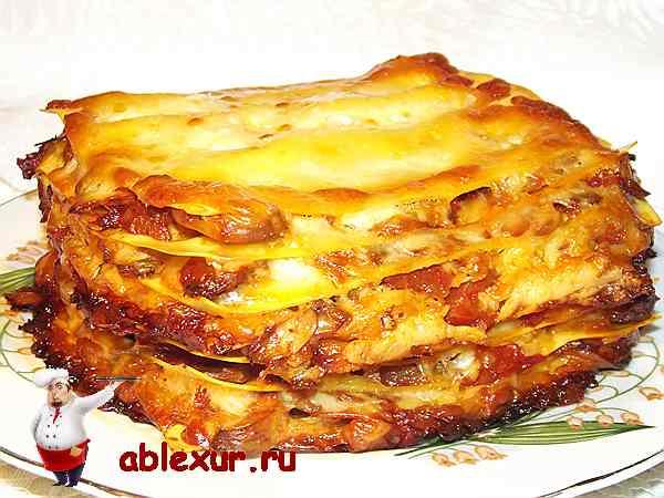 лазанья с грибной начинкой в составе которой сыр и помидоры