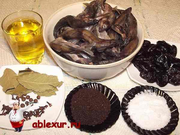 мойва, растительное масло, чернослив, чай, специи