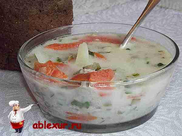 сырный суп с курицей и солеными огурцами