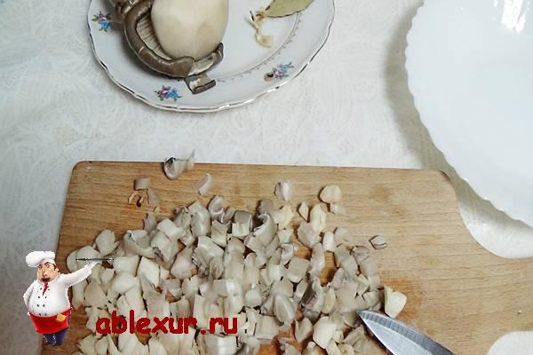 измельченные грибы для картофельных зраз
