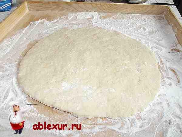 творожное тесто раскатанное в форме круга