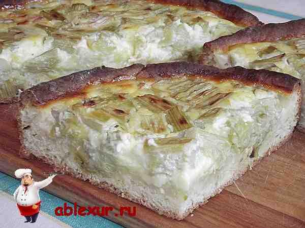 пирог с ревенем испеченный из творожного теста