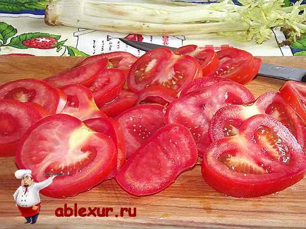 помидоры нарезанные кружочками для блюда из кабачков