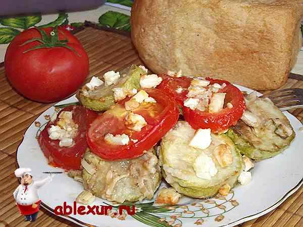 кабачки запеченные с сыром и помидорами в духовке