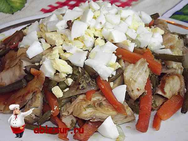 добавляю в салат с папоротником и курицей яйца