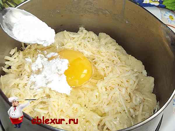 в тесто с сыром добавлено яйцо