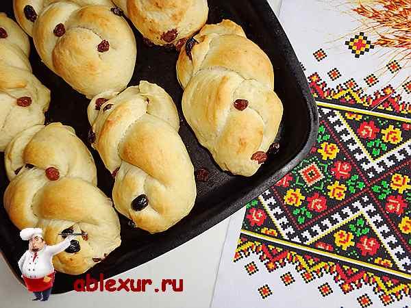 запеченные в духовке домашние сдобные булочки