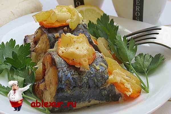 скумбрия запеченная в фольге с овощами в духовке