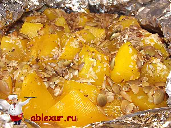 тыква запеченная в духовке с медом и семечками