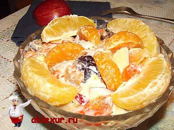 салат из курицы и фруктов на новый год