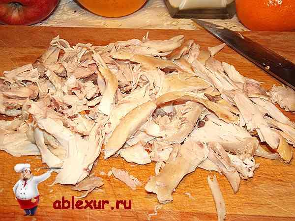 нарезанная курица для новогоднего салата