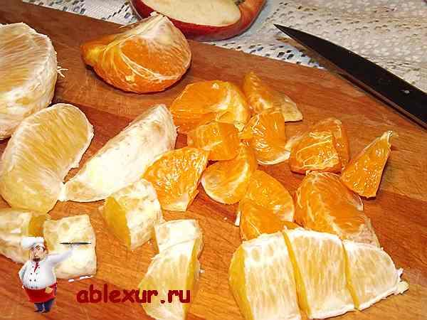 нарезанные фрукты для новогоднего салата