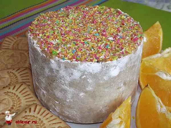 торт посыпанный кокосовой стружкой