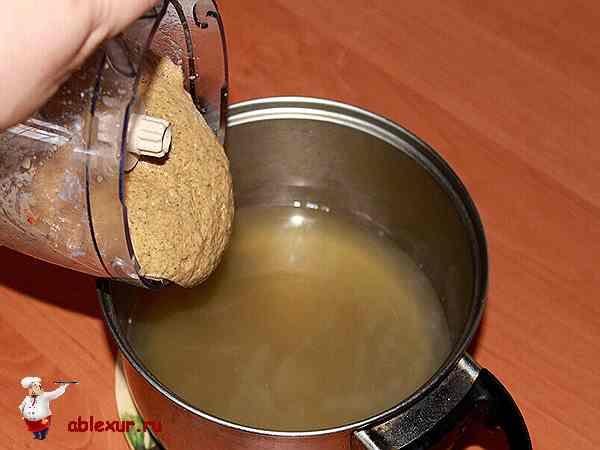 пюре из шампиньонов добавляю в бульон