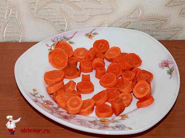 морковь нарезанная кружочками для супа-пюре