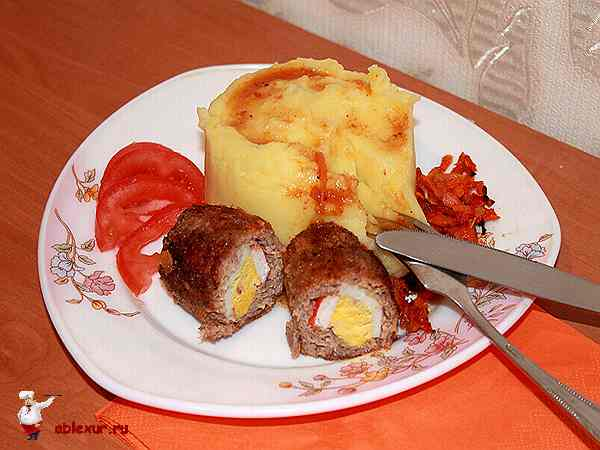 котлеты с начинкой из яйца и крабовых палочек