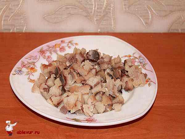 нарезанная селедка кубиками для салата