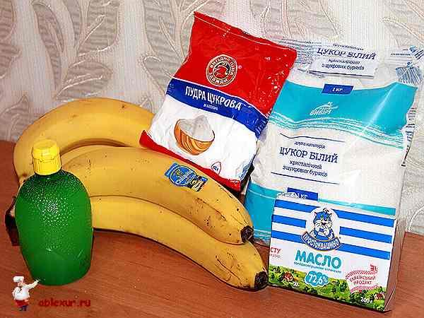 бананы, сахар, сахарная пудра и лимонная кислота