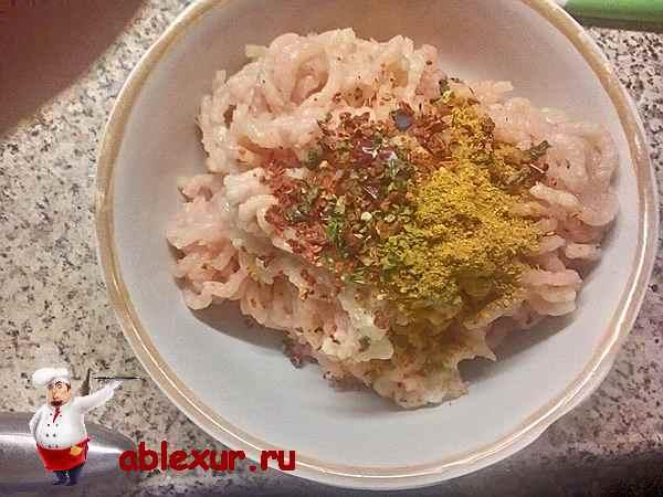 котлеты из куриного фарша в духовке рецепт с фото