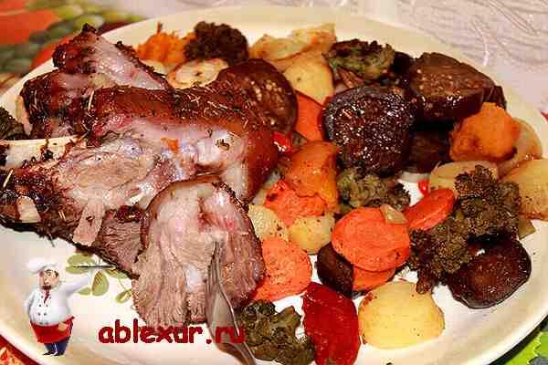 рецепт свинной рульки с овощами