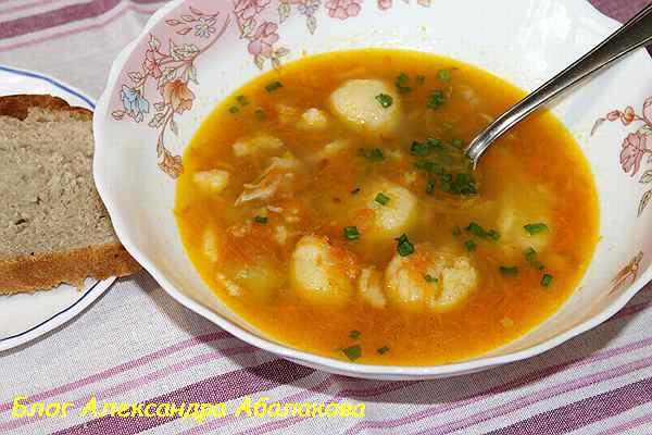 суп с клецками на курином бульоне рецепт с фото