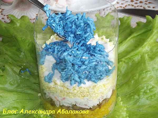 крабовый салат с яйцами и грибами