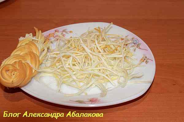 копченый сыр косичка для салата с сердцем