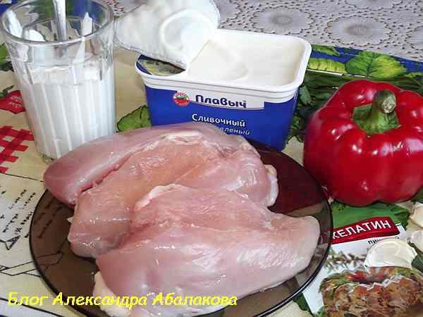 продукты для куриного суфле на столе