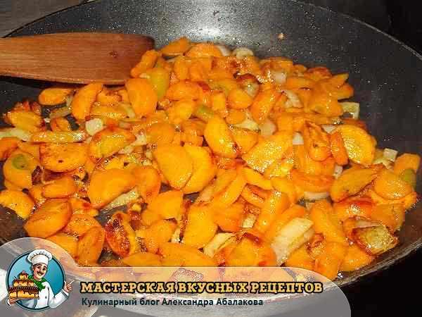 обжарить лук и морковь для супа пюре