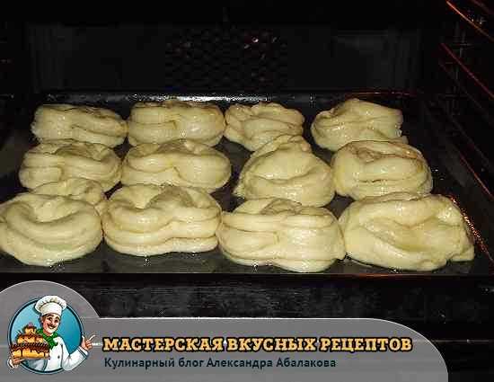 булочки поставили в духовку