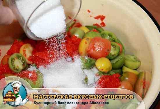 всыпать сахара в зеленые помидоры