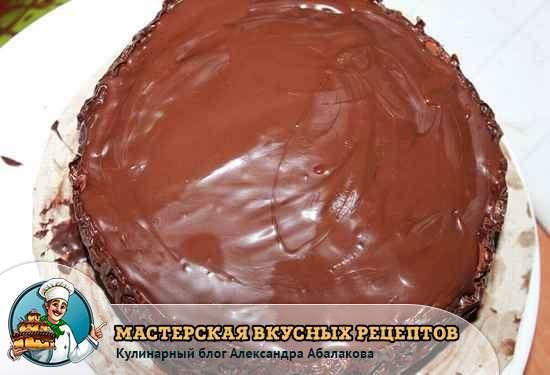 залить верх десерта принц шоколадом